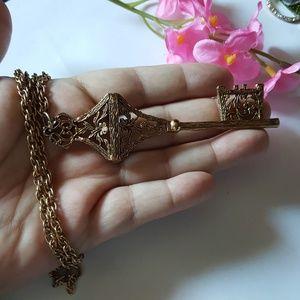 Beautiful VTG Key Necklace