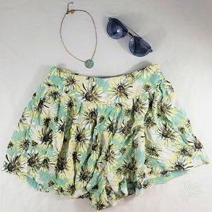 Xhiliration Stretch Waist Floral Shorts, medium