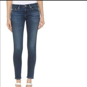 Sexy AG Super Skinny jean leggings.