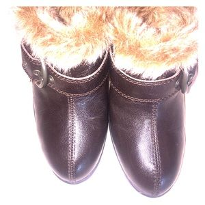 EUC B.O.C. Mules Pebbled Brown Leather Fur Lined