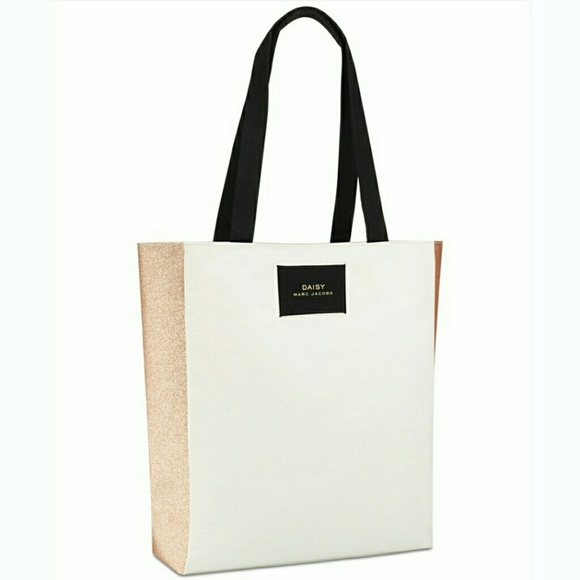 20df294d1686 Marc Jacobs Daisy Gold Glitter Tote Bag