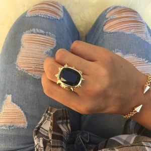 Queen Black and Gold Stretch Ring