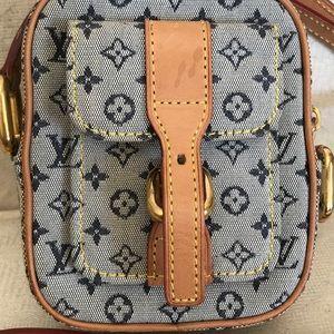 Louis Vuitton Bags - Louis Vuitton Juliette Pm Mini Lin Denim Pochette b2841bc97663b