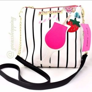 BETSeY Johnson Daiquiri Crossbody Purse NWT 💫HP💫