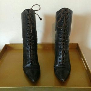 Vintage Brown Pointed Toe Lace Up Boots