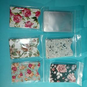 Accessories - 4 RFID sleeves, flowers, credit card protection