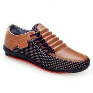 Mens Shoe size 10 casual shoes