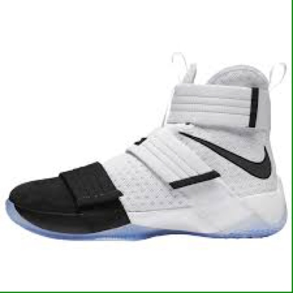 buy popular 2c437 411b0 Lebron James Soldier 10- Men size 8.5, please read.  M 59ad0cde7f0a05972b004bc1