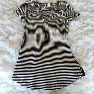 ✨FREE PEOPLE STRIPED TOP✨