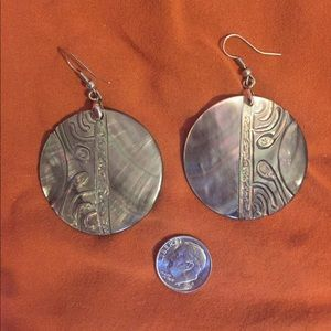 Jewelry - Polynesian Mother of Pearl earrings