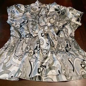 Tops - Gray pattern blouse