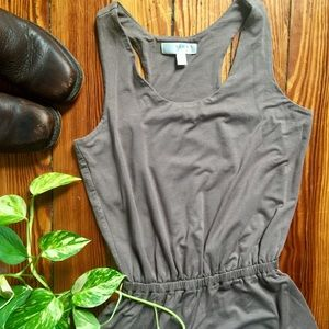 Dresses & Skirts - Neutral Taupe Jersey Dress