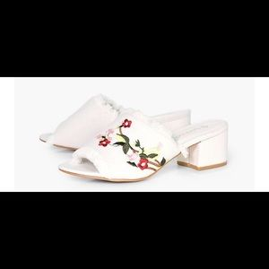 Shoes - Floral Frayed Edge Mule