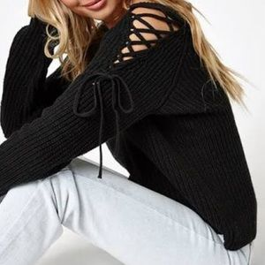 Sweaters - 🆕 lace up detail sleeves sweater