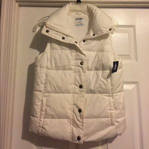 Old Navy winter vest, NWT. S.