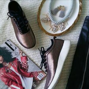 🆕//The Mara//Rose Gold met Fly Knit Sneaker