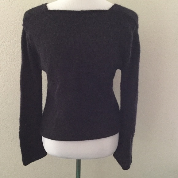 Benetton Sweaters - Benetton Made in Italy Charcoal Lg Sleeve Sweater