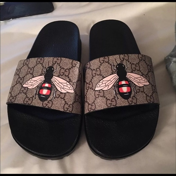 187c7dc01247 Gucci Other - Gucci supreme bee slides