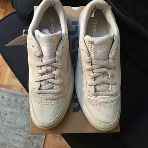 2da5e23403c Reebok Shoes - Reebok Club C 85 SG Sandstone White Gum Size 11