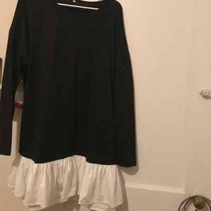 Dresses & Skirts - Knee length black long sleeve tshirt dress