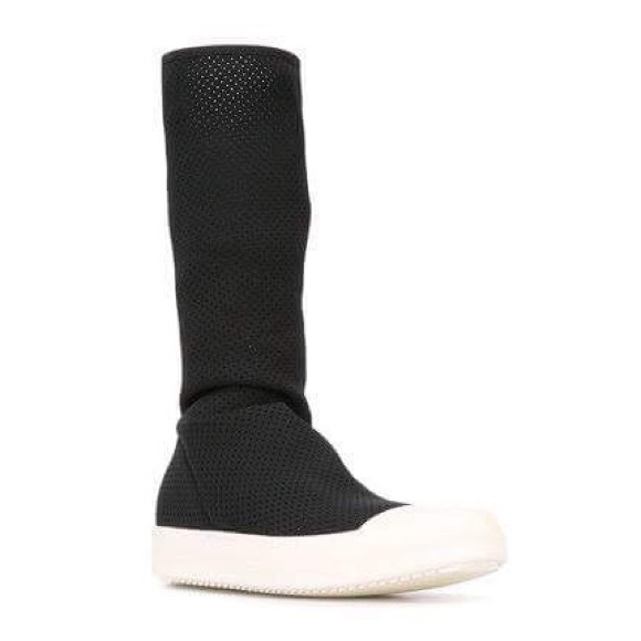 3ff1aaaba28 Rick Owens DRKSHDW Scarpe perforated sock sneakers.  M 59a4e3e62fd0b7bcb401478c
