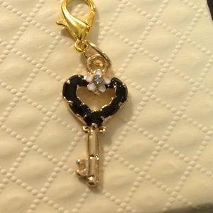 Jewelry - Lovely Key Charm