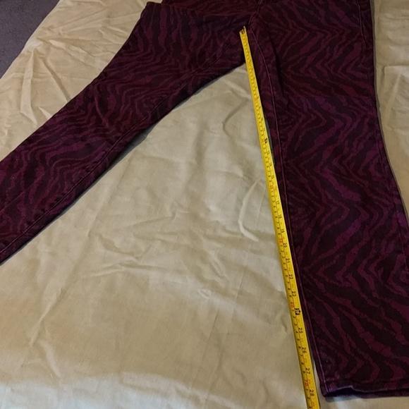 Dkny Jeans - Purple Zebra Crop Leggings (4/28)