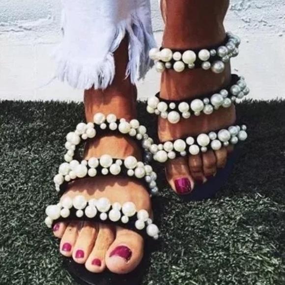 1397e4dc0d1 NWT Blogger s Favorite Zara Pearl Strappy Sandals