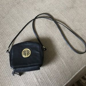 Handbags - Cross body bag!