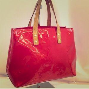 SALE✨LV Reade PM red vernis bag