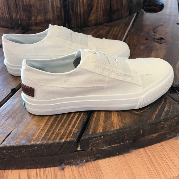 87a458ff1cc7 Blowfish Marley White Canvas Slip-on Sneakers