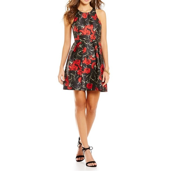Gianni Bini Dresses & Skirts - ✨Gianni Bini Floral Dress
