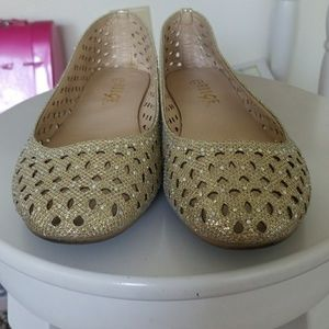 Shoes - Gold glittery flats
