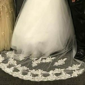 Dresses - Wedding Veil