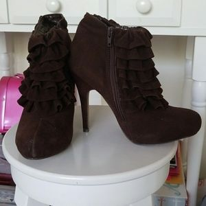 Shoes - Brown ruffle ankle heel boots