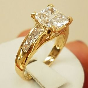 Engagement ring 14k Yellow Gold 3ct Princess