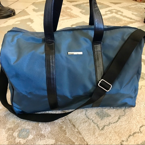 af571116dc0b Giorgio Armani Other - ✨EUC Giorgio Armani Duffle Bag