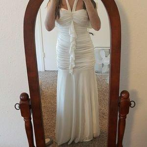 Dresses & Skirts - Floor length, off white, formal dress. Size 3/4