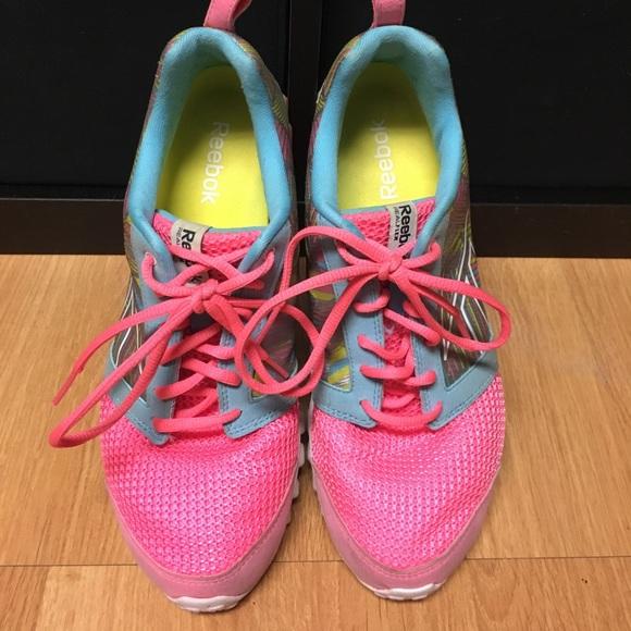 2715f7523ad020 Reebok RealFlex Scream 2.0 Running Shoes. M 59a5dab8b4188ec44c023826