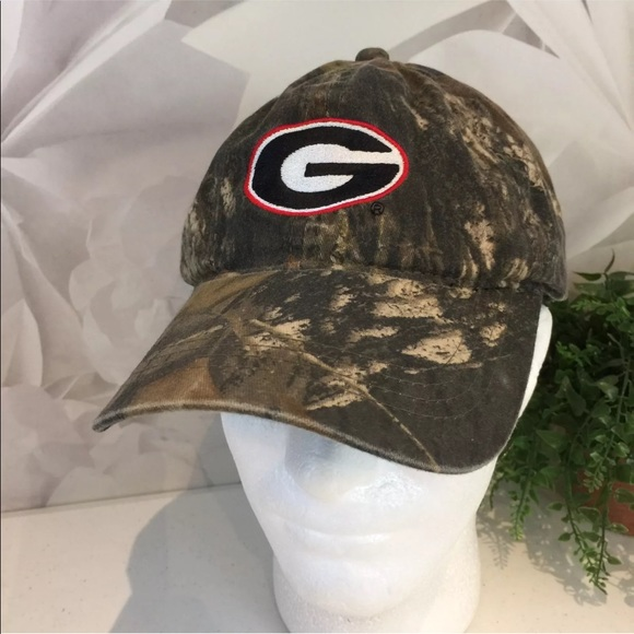 87a60d13d42 University Of Georgia UGA Bulldogs Camouflage Hat.  M 59a5dd93522b45b2440244e3