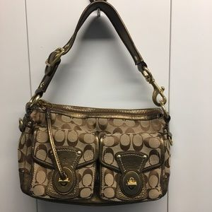 Beautiful Coach leather and canvas shoulder bag!
