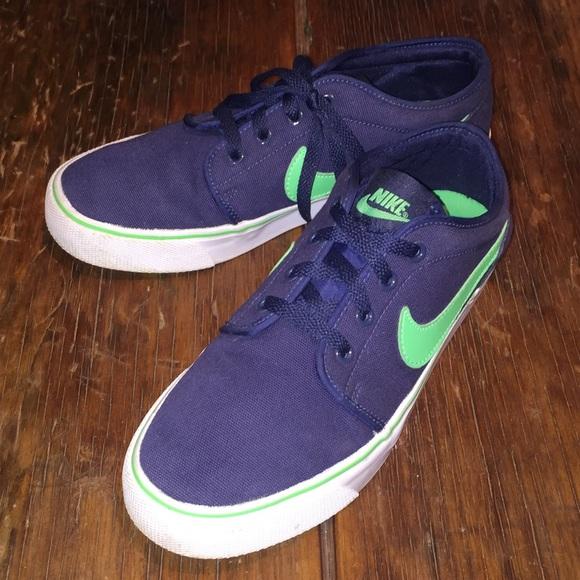best website bd8a0 87b49 🎉HP NIKE Toki Low Brave Blue Green Glow sneakers.  M 59a5f7d02de512de5202b1e2