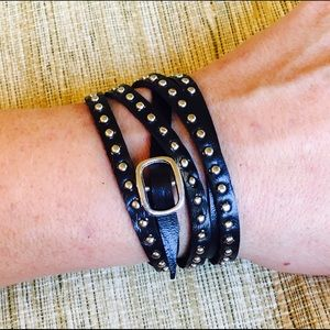❣️Riveted faux leather wrap with buckle
