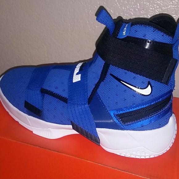f5ec27a953f8 Boys Nike Lebron Soldier 10 Flyease Sz 7Y