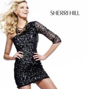 Sherri Hill size 4 Black Gunmetal Sequin Onesleeve