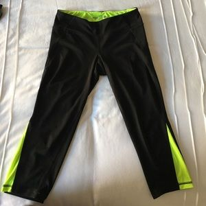 Pants - Active Capri Leggings