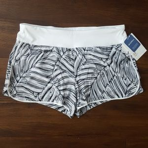 Gap Fit gstep palm shorts medium new with tags