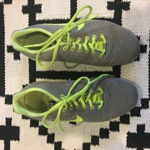 Nike free fit 2 gray and green tennis shoes