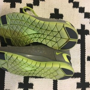 Nike Shoes - Nike free fit 2 gray and green tennis shoes
