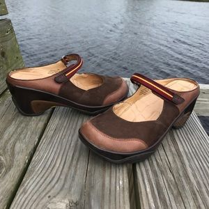 Brown clogs